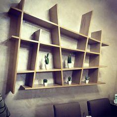 Bibliothèque en bois originale - repéré à la Boutique Vincent Déco