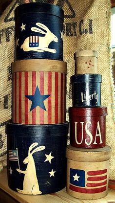 Primitive Americana ~ Bunny Shaker Boxes I love Primitives and folk art Patriotic Crafts, Patriotic Decorations, 4th Of July Celebration, Fourth Of July, Paper Mache Boxes, Hat Boxes, Country Crafts, Old Glory, Primitive Crafts