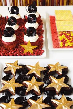 Adorable! Love these Oscar Walk of Fame Brownies. Great dessert idea for an Oscar's Party!