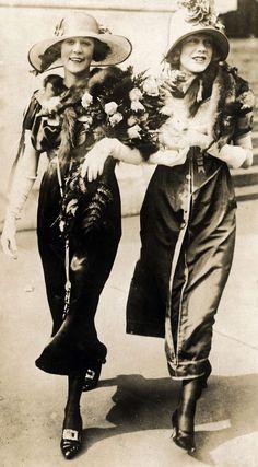 Summer fashion, 1920