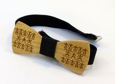 Wooden bow tie made of natural wood in a decorative от DecoLazer