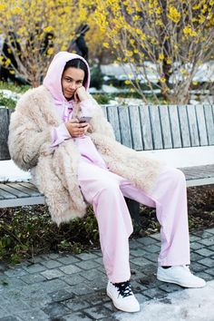 Street style: New York Fall/Winter 2017-2018 Fashion Week 173 - Binx Walton