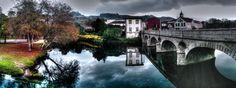 Boa tarde :D Mais uma imagem para a galeria dos reflexos perfeitos do rio Vez em Arcos de #Valdevez. Onde até os dias cinzentos são belos - embora hoje esteja um Sol imponente e frio - http://ift.tt/1MZR1pw -