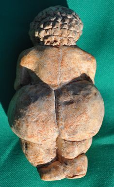 Venus of Willendorf (replica), Age: Around 25,000 BCE; Material: Oolitic Limestone; Found: Willendorf (Austria) in 1908; Present Location: Naturhistorisches Museum in Vienna (Austria); Length: 10.6cm; Width: 5.7cm; Depth: 4.5cm.