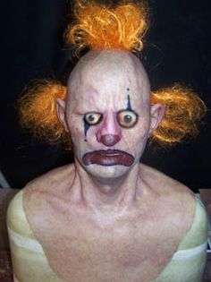 Wow a genuine modern day freaky clown! Send In The Clowns, Clowning Around, Creepy Clown, Evil Clowns, Dark Thoughts, Clown Makeup, Bizarre, Crazy People, Macabre