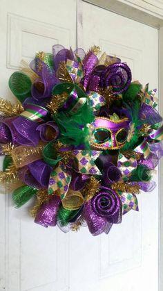 Mardi Gras Wreath Mardi Gras Decorations Mardi Gras Mask with Feather Wreaths Fr. - Mardi Gras Wreath Mardi Gras Decorations Mardi Gras Mask with Feather Wreaths Fr… – Mardi Gras - Christmas Mesh Wreaths, Deco Mesh Wreaths, Door Wreaths, Winter Wreaths, Burlap Wreaths, Mardi Gras Outfits, Mardi Gras Costumes, Mardi Gras Wreath, Mardi Gras Beads