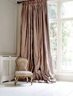 Amazing 51 Amazing Long Curtains in the Farmhouse Bedroom http://toparchitecture.net/2017/11/19/51-amazing-long-curtains-farmhouse-bedroom/
