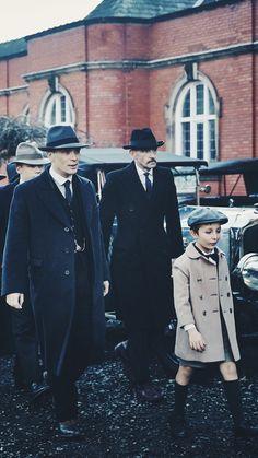 Peaky Blinders Peaky Blinders Thomas, Cillian Murphy Peaky Blinders, Boardwalk Empire, Birmingham, Vintage Men, Vintage Fashion, Men's Fashion, 1920s Gangsters, Alfie Solomons