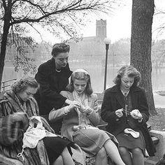 Knitter's London 1950's