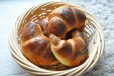Špaldové lupačky zo špaldy | Babičkina voľba Bagel, Robot, Bread, Basket, Brot, Baking, Breads, Robots, Buns