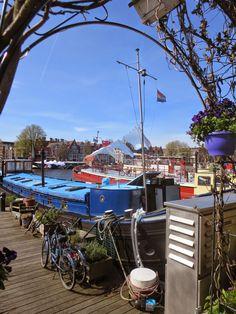 aqua vitae... laat het levenswater stromen: 12apr15 The laundry on the houseboats in Amsterdam...