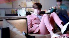 Lee Jong Suk #Guangzhou Fanmeeting_Waiting Room Wellmade Ent Cr.Logo