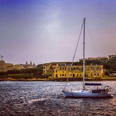 Sunset in Sliema #malta #sliema #sea #sun #summer #beach #beautiful #pretty #sunset #sunrise #blue #boat