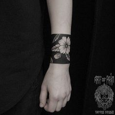 A comprehensive guide to negative space tattoos: styles, desings, upkeep and negative space tattoo artists. Tribal Sleeve Tattoos, Forearm Tattoos, Body Art Tattoos, Maori Tattoos, Tatoos, Tattoo Band, Phönix Tattoo, Ankle Cuff Tattoo, Blackout Tattoo