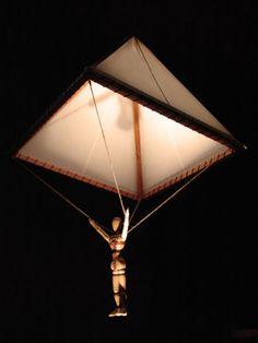 leonardo da vinci tenia un sueño i un sueño unico i ese era volar i hice muchos inventis para volar como el paracaidas