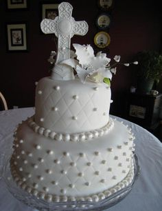 cake but more of a wedding theme than the 1st communion theme
