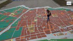 Barcelona estrena el mapa gigante del Tricentenario