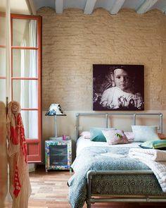 Un appartement terrasse à house design interior design Home Bedroom, Bedroom Decor, Peaceful Bedroom, Warm Bedroom, Bedrooms, Barcelona Apartment, Penthouse Apartment, Beautiful Interior Design, Natural Home Decor