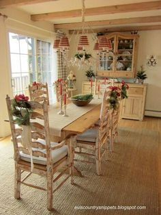 Breakfast room at Christmas