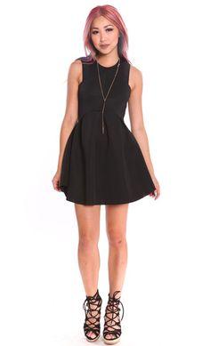NEOPRENE FLARED PLEATED DRESS - BLACK