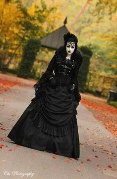 Neo-Victorian #Goth girl