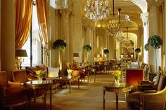 had the privilege of staying at the Plaza Athene' while in Paris...