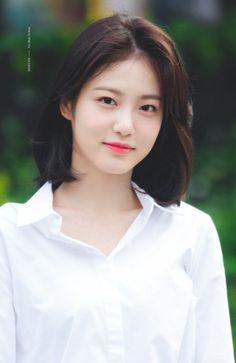 Shin Ye Eun - Vitamin Girls :v - Girl Short Hair, Short Hair Cuts, Korean Beauty, Asian Beauty, Bora Lim, Hair Dyed Underneath, Korean Short Hair, Ulzzang Short Hair, Shot Hair Styles