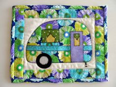 Retro camper mug rug, vintage camper trailer, quilted snack mat, applique camper trailer mini placemat, glamping decor, quiltsy handmade by SusansPassion on Etsy