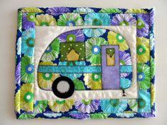 Retro camper mug rug, vintage camper trailer, quilted snack mat, applique camper trailer mini placemat, glamping decor, quiltsy handmade by SusansPassion on Etsy
