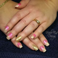 Bex with Acrylink L&P extensions and Ink London gel polish stamping and pigments #moleenddesign #inklondon #gelpolish #pigments #golden #acrylic #nailart #dorsetnails #shaftesburynails #nails
