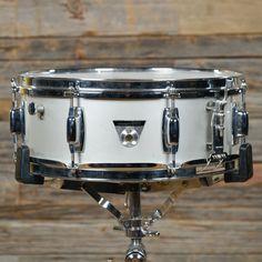 Ludwig 5x14 Standard Aluminum Snare Drum w/Case 70s