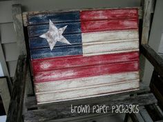 DIY Beadboard Flag of July} If you are looking for a great project to create patriotic decor, this is perfect! Using a piece of white beadboard from your… Patriotic Crafts, Patriotic Decorations, July Crafts, Summer Crafts, Holiday Crafts, Holiday Ideas, Summer Fun, Western Decorations, Americana Crafts