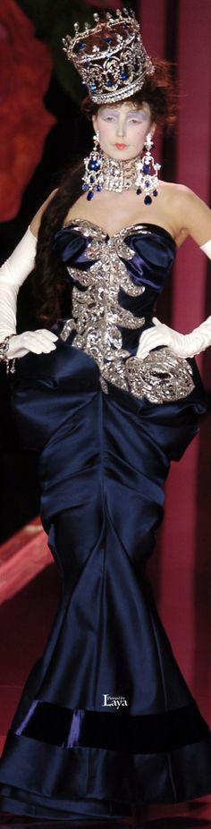 www.2locos.com  Christian Dior Fall 2004 Couture