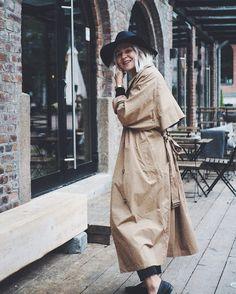 Looking for my morning coffee . . . . . #fashionstatement #whatiwore #moreontgeblog #weekday #scandifashion #autumnoutfit