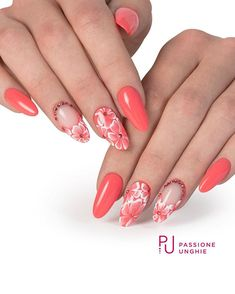 White flowers with Swarovski and Coral Orange in all their liveliness - Trend Nails Light Pink Nail Designs, Light Pink Nails, Coral Nails, Red Nails, Hair And Nails, Nail Art Designs, Gel Uv, Nagel Hacks, Nail Designer