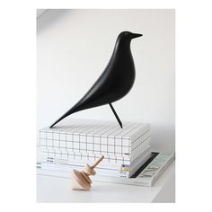 Eames House Bird - I really want one of these when I eventually have my own place. Charles Eames, Modern Scandinavian Interior, Interior Decorating, Interior Design, Diy Furniture Projects, Eclectic Decor, Room Paint, Mid Century Design, Home Decor Accessories