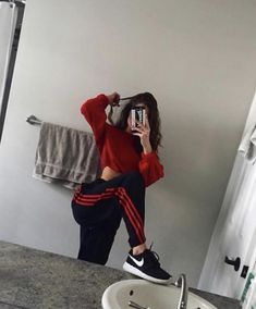 Find images and videos about girl, fashion and style on We Heart It - the app to get lost in what you love. Cute Comfy Outfits, Lazy Outfits, Teenage Outfits, Swag Outfits, Mode Outfits, Grunge Outfits, Dance Outfits, Trendy Outfits, Girl Outfits