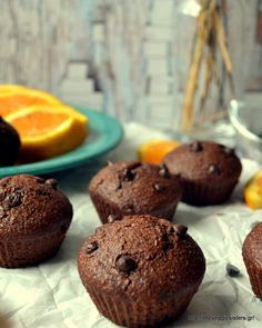 Easy vegan chocolate orange muffins! Dessert Games, My Dessert, Vegetarian Platter, Vegetarian Recipes, Healthy Recipes, Chocolate Orange, Vegan Chocolate, No Bake Desserts, Vegan Desserts