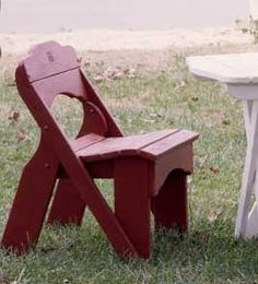 """This little picnic chair is like no other. At 33"""" high and 21"""" wide, you'll be sure to seat all of your guests comfortably in this Fanback picnic chair."""