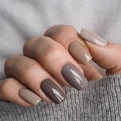 These colors # makeupyourmindno # nails # gray # brown # ombre # vinylux , Diese Farben # makeupyourmindno # Nägel # grau # braun # ombre # vinylux . Nude Nails, My Nails, Glitter Nails, Beige Nails, Stiletto Nails, Acrylic Nails, Neutral Nail Art, Brown Nails, Brown Nail Polish