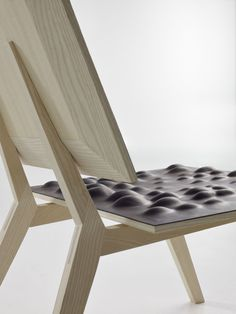 Saddler Chair Design by Pudelskern Space Agency