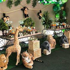 Decorations around dessert table Safari Theme Birthday, Jungle Theme Parties, Jungle Party, Safari Party Decorations, Baby Shower Decorations, Safari Centerpieces, Boy Baby Shower Themes, Baby Boy Shower, Deco Jungle
