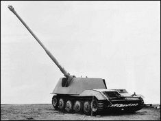 Prototype Rheinmetall-Borsig Waffenträger with its PaK 43 at max' elevation World Of Tanks, Army Vehicles, Armored Vehicles, Self Propelled Artillery, Tank Armor, Tank Destroyer, Military Pictures, Armored Fighting Vehicle, War Photography