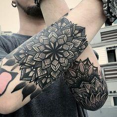 70 Mandala Tattoo Designs For Men – Symbolic Ink Ideas Mandala Tattoo – Fashion Tattoos Mandala Tattoo Design, Mandala Tattoo Mann, Forearm Mandala Tattoo, Outer Forearm Tattoo, Forearm Tattoos, Geometric Mandala Tattoo, Tattoos Bein, Elbow Tattoos, Maori Tattoos