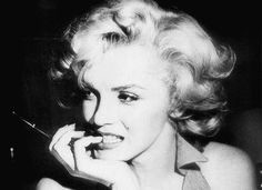 My favorite picture of Marlin Monroe. EVER.