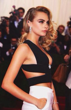 Cara! Love you so much, you're awesome! *.*