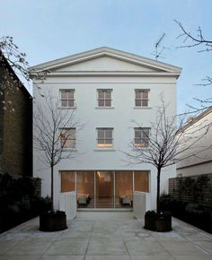 A white house. Daniela de Camaret's West London house -- by Modern master architect John Pawson. Georgian Architecture, Classical Architecture, Beautiful Architecture, Beautiful Buildings, Residential Architecture, Contemporary Architecture, Interior Architecture, Ancient Architecture, Sustainable Architecture