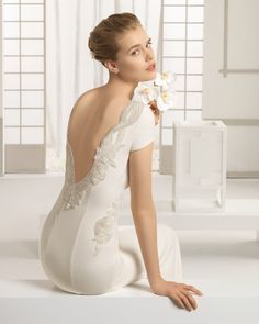 Beautiful crepe wedding dress with beadwork detail, in ivory. Rosa Clará 2016 Collection. #wedding #wedding dress