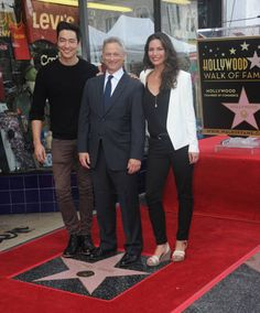 Actors Daniel Henney Gary Sinise and actress Alana De La Garza at Gary Sinise's Star Ceremony On The Hollywood Walk Of Fame on April 17 2017 in...