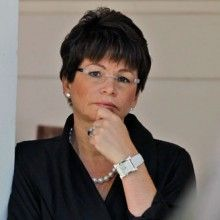 Libyan Ambassador Had No Marines – Valerie Jarrett, Communist adviser to Barry, Gets Full Secret Service Detail.  I wonder where VALERIE & HER ENTOURAGE are vacationing this Easter weekend.  (Not that she's a Christian, but I'm sure she's extravagantly vacationing on our dime like her Pres and family.)